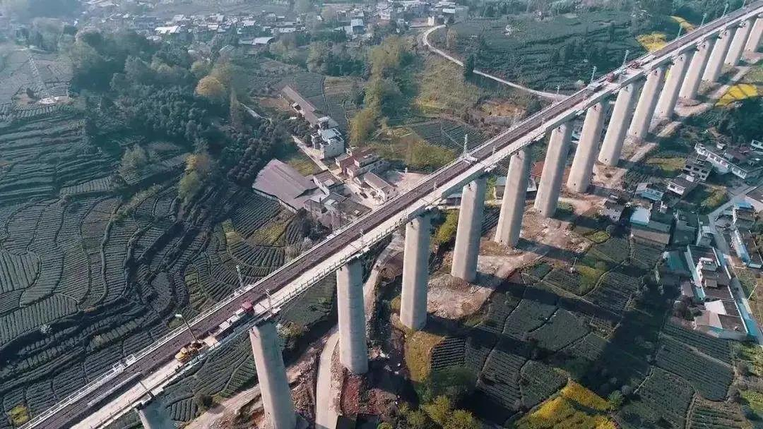 """最难""""天路""""架桥人!百台三一装备助力又一世纪工程落成"""